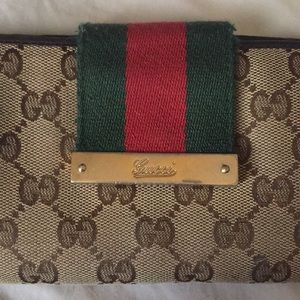 Gucci Wallet with Iconic Red Green Italy stripe